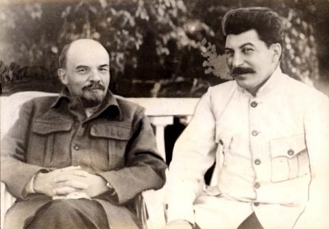 Революционер Ленин и контрреволюционер Сталин