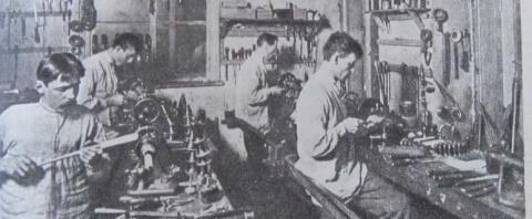 Как жили рабочие в России, к…