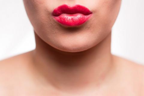 Как увеличить губы натуральн…