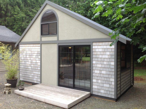 Этот домик построен на 18м²,…