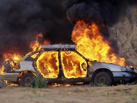 Почему горят машины