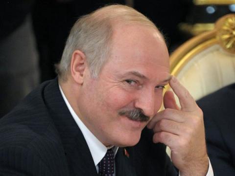 Лукашенко ищет России замену