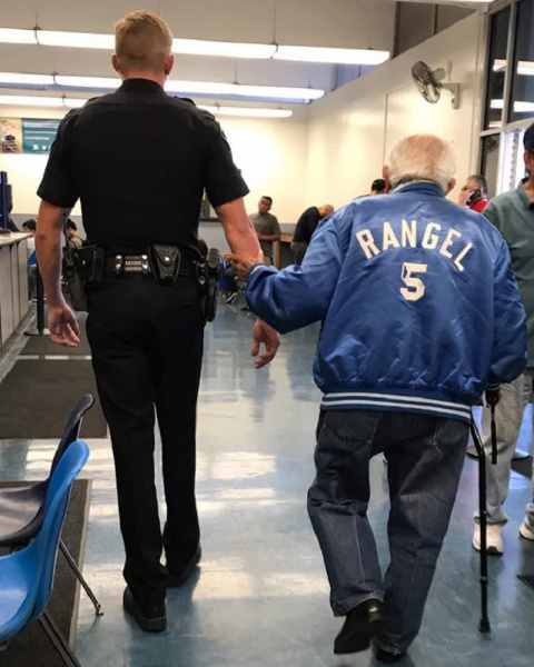 92-летнего дедушку выгоняли …