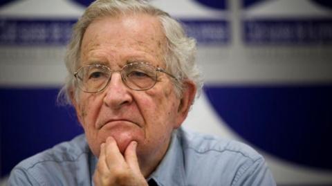 Ноам Хомский: США несутся в пропасть