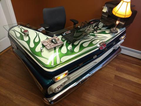 Старый пикап – новый стол