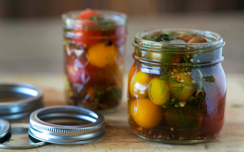 Быстрые малосольные помидоры…