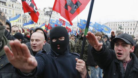 Радикалы пригрозили регионам: Киев признал неспособность контролировать националистов