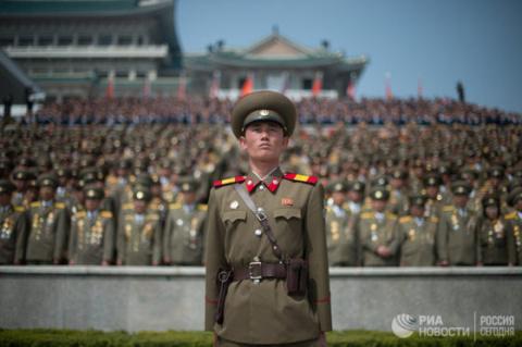 КНДР не стоит рассчитывать на своё ядерное оружие — советник Трампа
