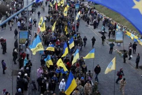Митинг в Киеве набирает силу: ситуация у Верховной рады; охрана Порошенко приняла срочные меры