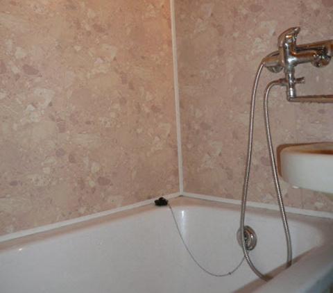 Стеновые панели для ванной комнаты: преимущества и недостатки, разновидности и самостоятельный монтаж.