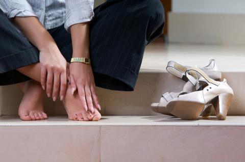Как снять боль в ногах: 7 эффективных способов
