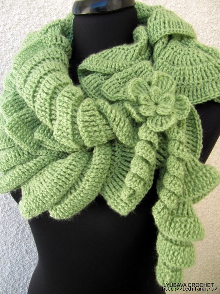 Спиральный шарф - стильно и быстро