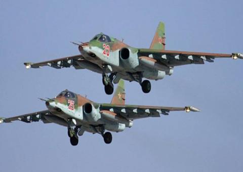 Экипажи Су-25 и Су24 отработ…