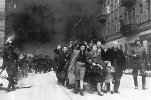 В Бабьем Яру надругались над жертвами нацизма на государственном уровне. Авигдор Эскин