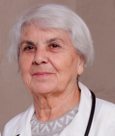 90-летняя мама знаменитого д…