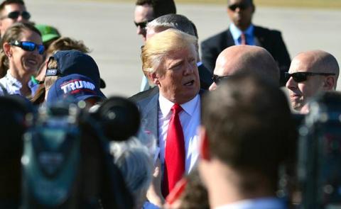 Трампа взяли в заложники