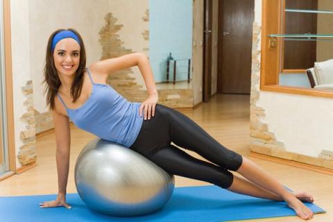 Как подчеркнуть талию — упражнения и секреты
