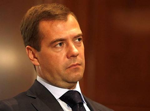 Медведев: эффект от санкций не стоит наносимого бизнесу ущерба
