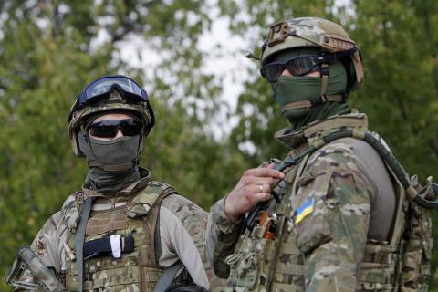Украинский спецназ переодевается в российскую форму для провокаций на Донбассе