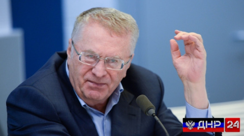 Жириновский: Порошенко придет к Путину, будет в ногах валяться (ВИДЕО)