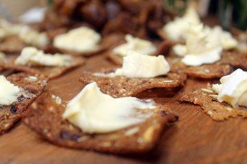 Постное тесто: крекеры рецепт с семечками