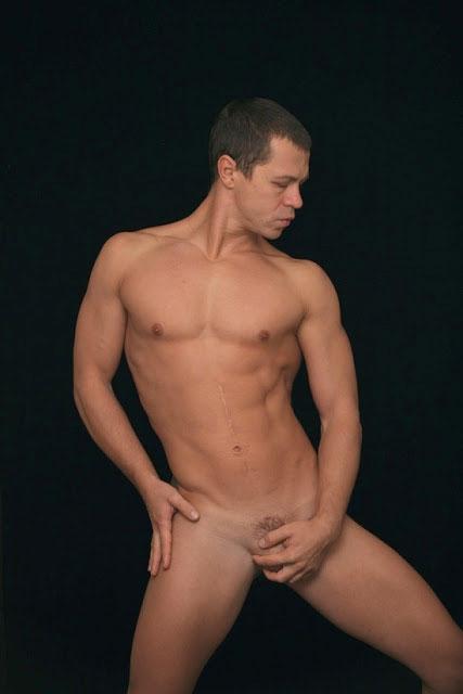 Фотографии голых артистов фото 502-297