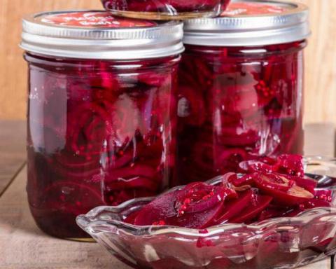 Квашеная свёкла: 5 полезнейших рецептов