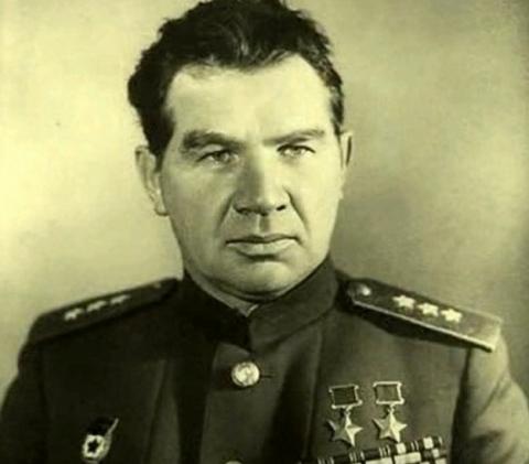 Маршал Чуйков либералу Солженицыну