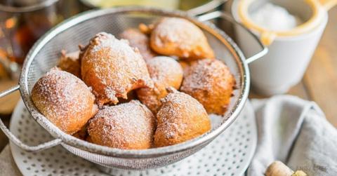Рецепт итальянских пышных пончиков: 10 минут — и готово!