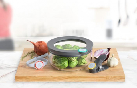 «Умная» посуда для продуктов, которая не позволит забыть о том, что лежит в холодильнике