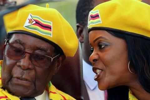 Президента Зимбабве Роберта Мугабе отстранили с поста главы правящей партии
