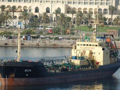 Ливийцы после перестрелки захватили 2 судна и две дюжины украинцев, турок, грузин
