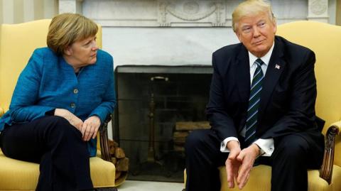 Очередной позор Меркель: сра…
