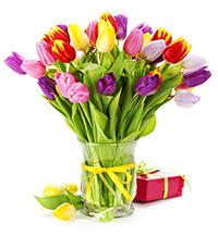 Что делать, чтобы цветы дольше стояли в вазе?