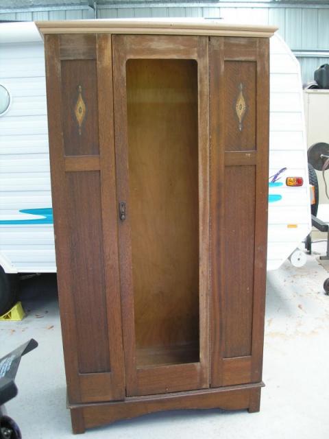 Превращаем шкаф с блошиного рынка в мебельный шедевр