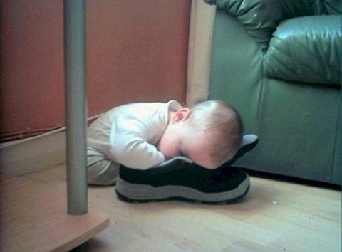 Этим детям всё равно где спа…