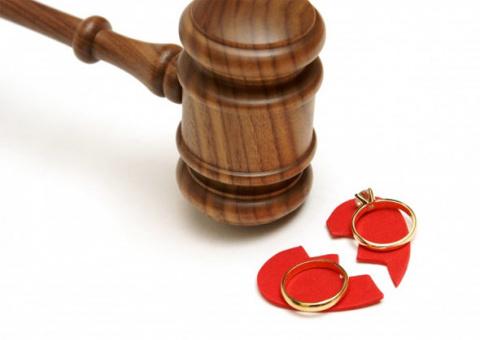 Бросила онкобольного мужа: Развод в звездной семье