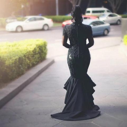 Ее свадебное платье вызвало …