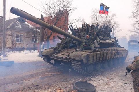 В Донбассе уже нет перемирия. Там есть линия фронта