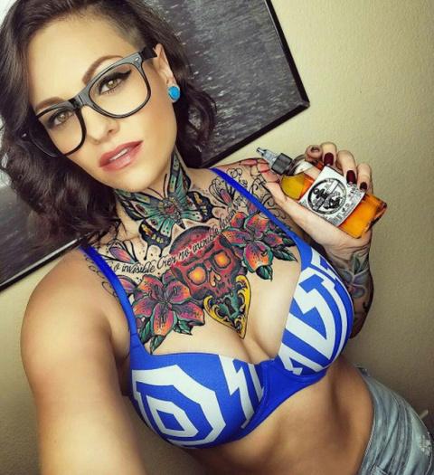 Татуированные девушки (30 фото) по-моему как-то не очень, а вы что скажете?
