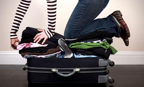 Как собрать максимум вещей в маленький чемодан?