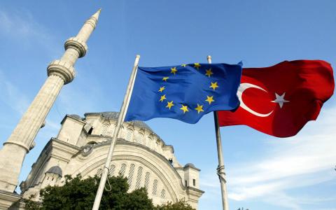 Турция обиделась на заявлени…