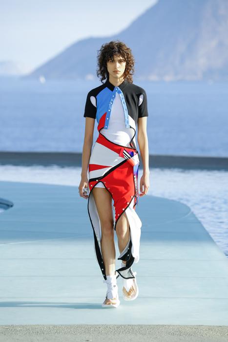 В Рио-де-Жанейро прошел показ круизной коллекции Louis Vuitton