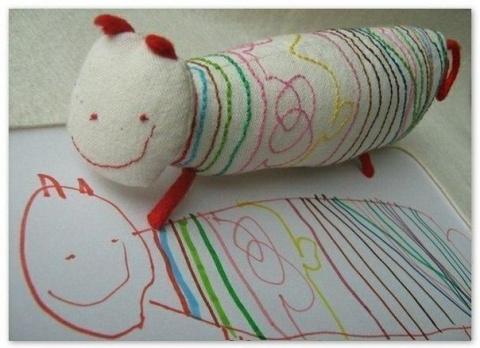 Игрушку сшили по рисунку малыша)))