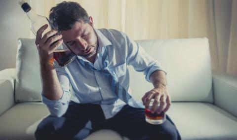 Муж просыпается после пьянки…