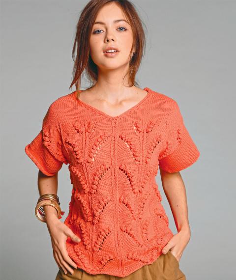 Пуловер с растительным узором спицами