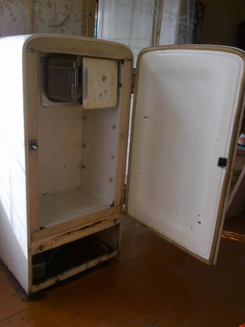 Холодильник зил  старый