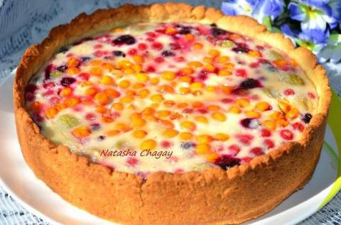 Пирог с творожно - ягодной начинкой