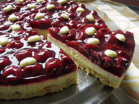 Очень красивый и вкусный тирольский пирог, ничем не хуже магазинного