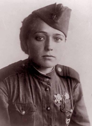 Девчонки на войне. Юлия Друнина - поэт в шинели